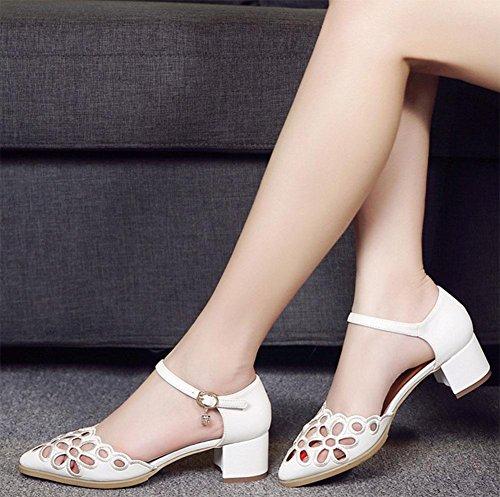 Die rohe hohle Spitze atmungsaktive Schuhe mit einem Snap-Wort-Header mit Sandalen A