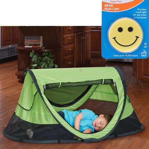 KidCo PeaPod Plus Portable Travel Bed  Kiwi with Happy Face Night Light