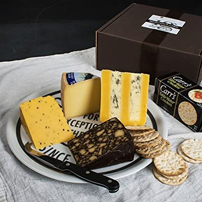 Pub Cheese Assortment in Gift Box (32.2 ounce)