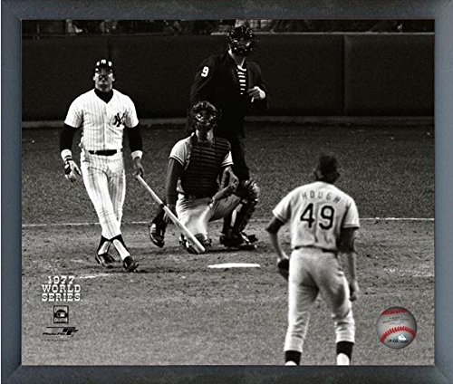 Reggie Jackson New York Yankees 1977 World Series Game 6 Home Run #3 Photo (Size: 17