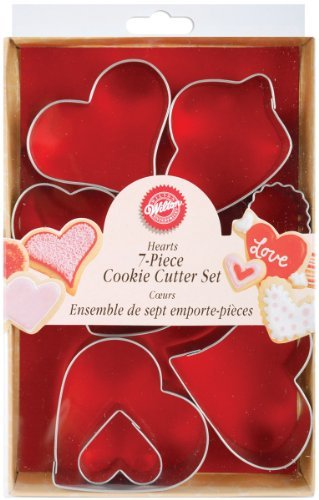 Wilton 7-Piece Metal Heart Cookie Cutter Set