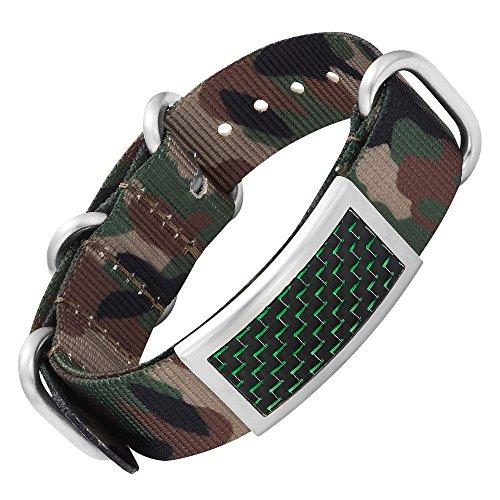 Bracelet en acier Willis Judd pour homme, avec des motifs camouflage et incrusté d'éléments en fibre de carbone, livré dans sa boîte cadeau