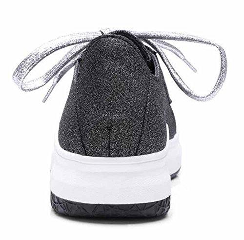 Showhow Kvinna Bekväma Solid Rund Tå Snörning Låga Topp Mitten Hälen Promenader Mode Sneakers Svart