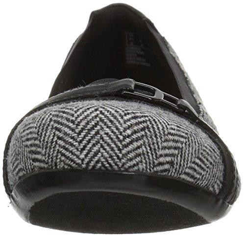 Clarks Women's Kinzie Light Loafer Flat