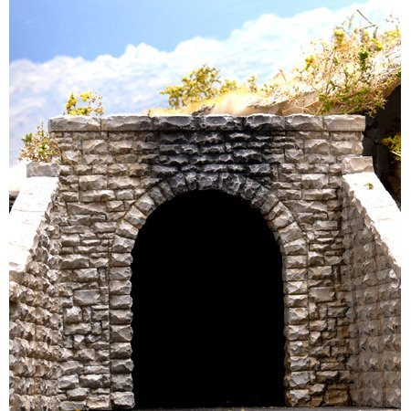 - Chooch Enterprises HO Scale Single Random Stone Tunnel Portal