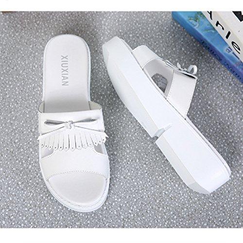 Btrada Kvinna Mode Tofsar Sandaler Halk Plattform Platt Sommaren Andas Skor Whiite