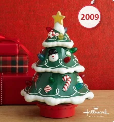 amazoncom hallmark musical christmas tree with lights u motion home u kitchen with musical christmas lights - Musical Christmas Tree Lights