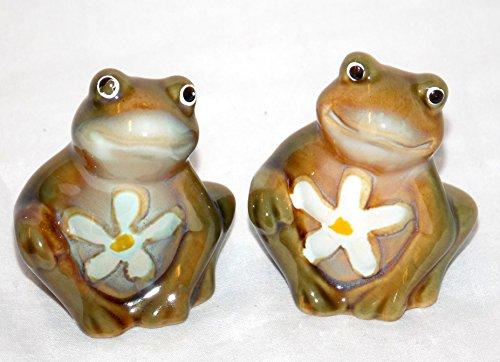 NEW CERAMIC MINIATURE BIG EYED GREEN FROGS FROG TOAD SALT & PEPPER (Toad Salt)