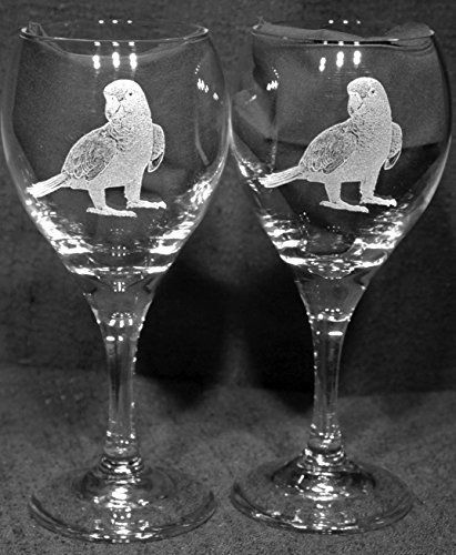 Muddy Creek Reflection Amazon Parrot Bird Laser Etched Wine Glass Set (2, TDW)