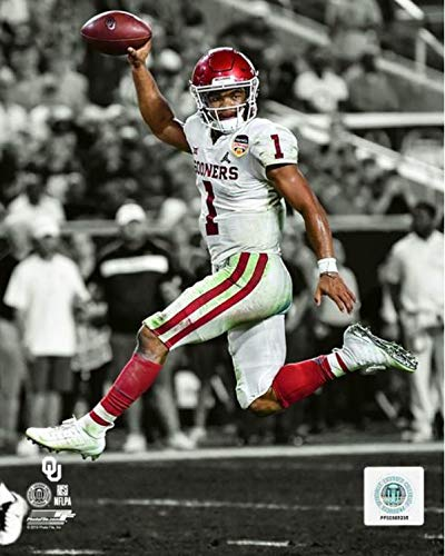 Oklahoma Sooners Collectibles - Kyler Murray Oklahoma Sooners 2018 NCAA Spotlight Action Photo (Size: 11
