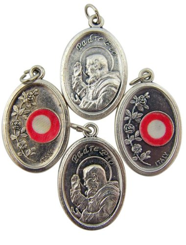 lot-of-4-saint-padre-pio-1-inch-silver-tone-medal-with-3rd-class-cloth-relic