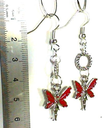 1 paire Boucles d'oreilles pendantes papillon rouge. Accessoires argentés.