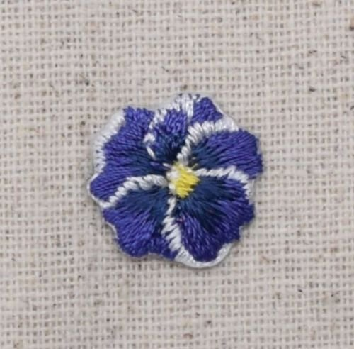 (1x Piece of Iron On Embroidered Applique Patch Pansies Flower Small/Mini Pansy Purple)