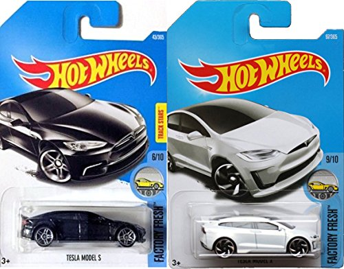 Hot Wheels 2017 New Casting White Model X #196 Factory Fresh Tesla Model S #175 Black 2 car bundle in Protective Cases (Los Simpsons Halloween 2017)