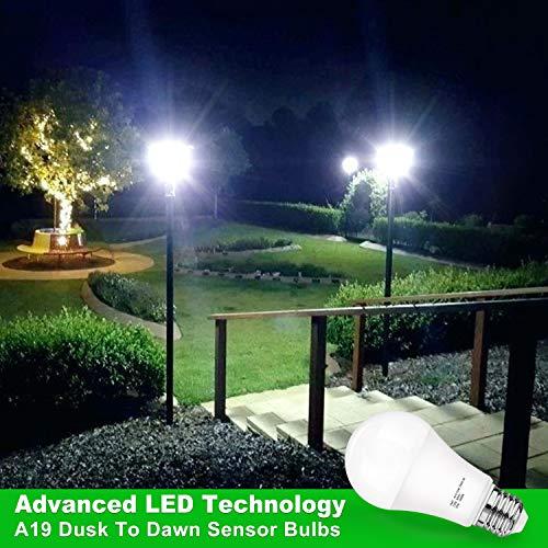 Dusk to Dawn Sensor Light Bulb, A19 15W(100-125W Equivalent) LED Auto On Off Light Bulbs, 1500 Lumens E26 Base, Daylight White 5000K Smart Sensor Lighting Indoor Outdoor for Porch Garage Yard, 6-Pack