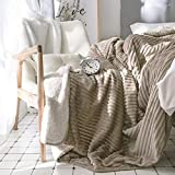 PRIMA Double Layer Sherpa Blanket Throws for Kids, Reversible Luxury Soft Flannel Bed Sofa Ribbed Blankets with Flower Button for Children, Champagne, 39'' x 59''