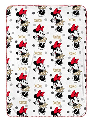 Jay Franco Disney Minnie Mouse Travel Blanket - Measures 40 x 50 inches, Kids Bedding Features Minnie Mouse - Fade Resistant Super Soft Fleece - (Official Disney Product)