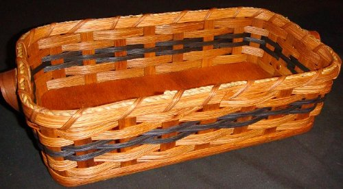 Amish Country Collectible Bread Basket (Large). What a Wondeful Way to Keep Your Bread Handy, but Yet Hidden From View and At the Same Time Add a Special Touch to Your Country Kitchen Decor. Make up a Custom Gift Basket, It Will Most Certainly Be a Hit! C