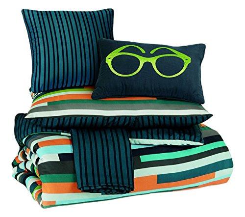 Signature Design By Ashley Seventy Bedding Set  Full  Stripe