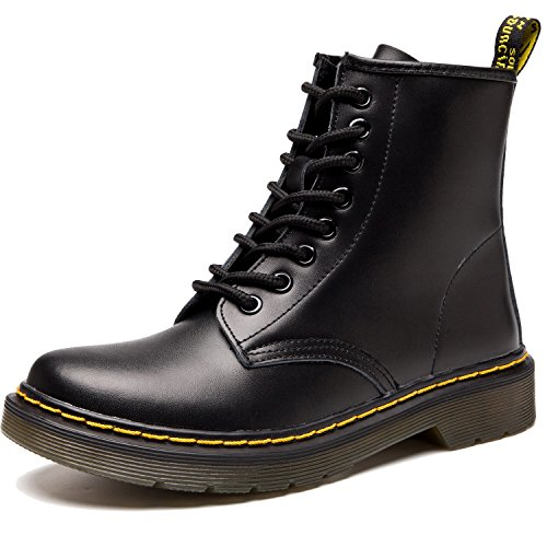 Round Toe Harness Boots - 9