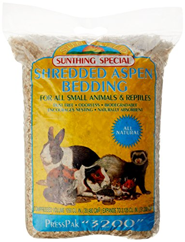 Sunseed Shredded Aspen Bedding, 3200 Cubic Inches, for Small Nesting and Burrowing Animals