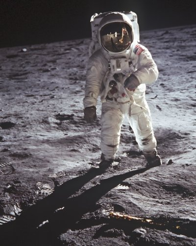 New 8x10 NASA Photo: Buzz Aldrin walks on - New Moon Magazine