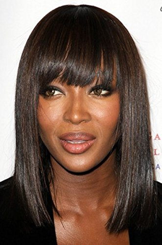 Naomi Campbell inspirado longitud del hombro Bob con Bangs 150% de densidad gruesa pelucas sintéticas