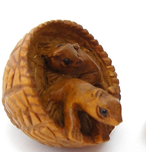 Ojime Hand-Carved Squirrels in Basket Boxwood Button ()