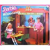 Barbie LOVES McDONALD'S Playset w 32 Pieces (1982)