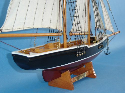 Bluenose quot wooden model yacht sailboat centerpiece