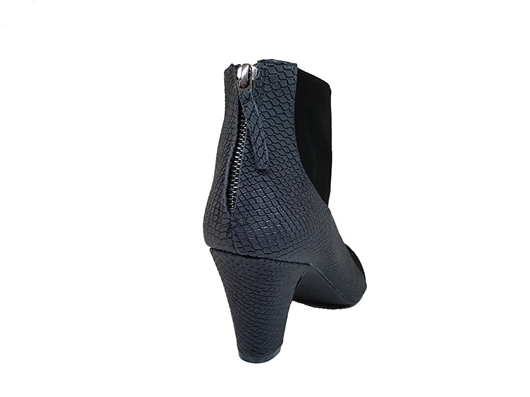 Zip Closure Women Ankle Leather Boots with Rounded Toe and Kitten Heel 6 cm GENNIA XOCHI-3