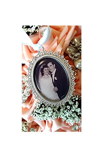 Wedding Bouquet Photo Charm, Bride Gift, Bridal Bouquet Memorial Charm ,Cameo Pendant Wedding Accessorie Charm,Bridal Keepsake, Victorian