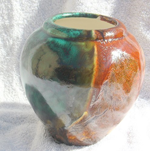 Native American made (Nez Perce) Navajo style seed pot or jar. Hand made