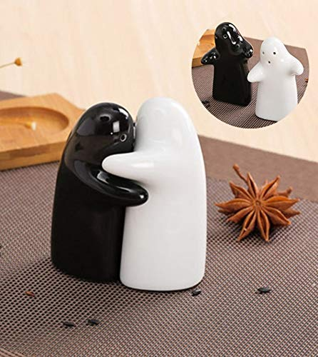 (Love and Hugs Salt and Pepper Shaker Set)