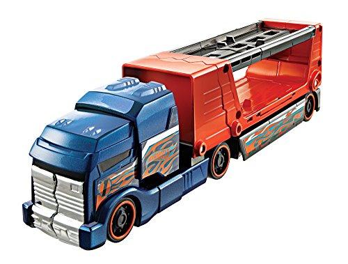 (Hot Wheels Crashin Big Rig Truck and Car Set - Blue Cab with Orange Trailer)