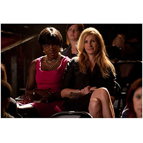 Eat Pray Love Julia Roberts as Liz Gilbert Seated with Viola Davis 8 x 10 Inch Photo ()