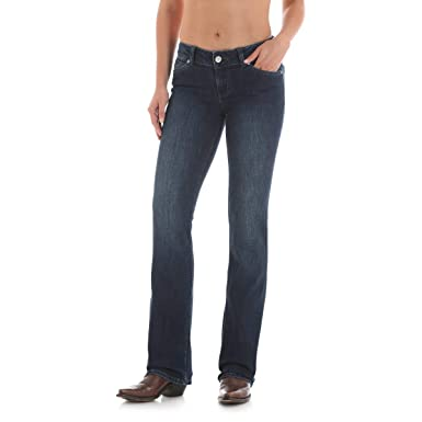097aabfe Wrangler Women's Retro Mae Mid-Rise Jeans at Amazon Women's Jeans store