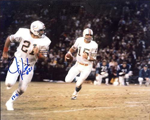 Inscribed 17-0 Miami Dolphins Jim Kiick Autographed//Original Signed 8x10 Action-photo Showing Him During the Dolphins 1972 Undefeated Season