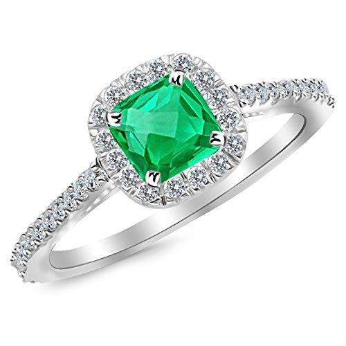 0.5 Ct Emerald Ring - 9