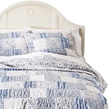 Amazon Com Simply Shabby Chic 174 Ditsy Patchwork Quilt