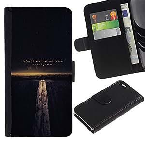 Protector de cuero de la PU de la cubierta del estilo de la carpeta del tirón BY RAYDREAMMM - Apple Iphone 5 / 5S - DOLOR NOS GUÍA PARA LOGRAR LA SABIDURÍA DE VIDA