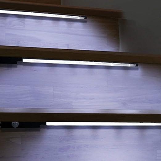 Barras de luz con pilas, sensor de movimiento, iluminación de luces LED para gabinetes Escaleras Puertas(Color:white): Amazon.es: Iluminación