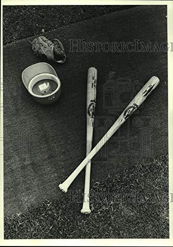 1980 Press Photo Houston Astros' Joe Morgan's tools of the trade in Cocoa, FL. ()