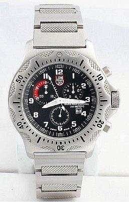 Luminox LU8102 - Reloj de caballero de cuarzo, correa de piel color plata