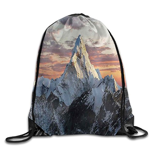 Gym Bag Nepal: Weiding Evening Of South Asian High Mountain Above The Sky