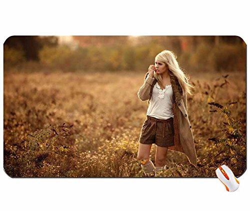 Pueblo Bonito Sujetador Gran Cuerpo Irina Sheik gran alfombrilla de ratón Dimensiones: 60 x 35 x 0,2 cm): Amazon.es: Oficina y papelería