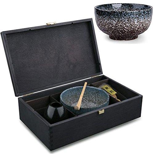 MAOCI matcha gift set 'Miyagi' in a natural colour wooden box