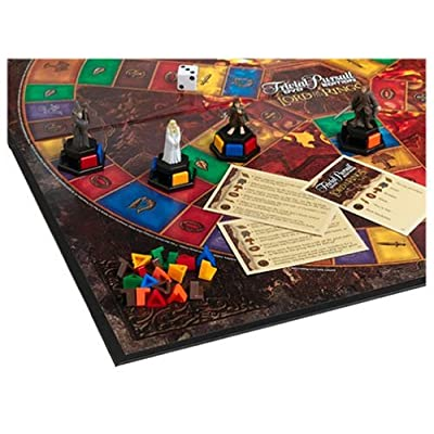 Hasbro Trivial Pursuits LOTR Edition Boardgame: Toys & Games