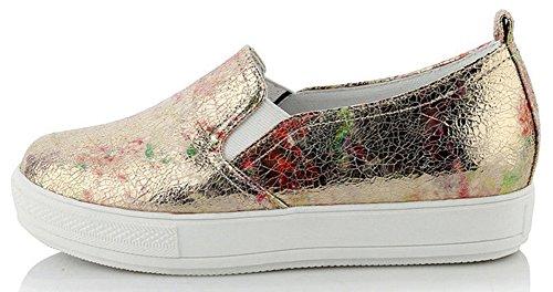 Idifu Womens Glitter Tryckt Mitten Hälen Kil Plattform Sneakers Halka På Låg Topp Loafers Guld