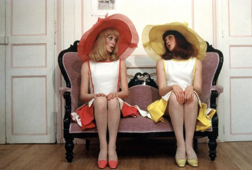 The Essential Jacques Demy (Lola, Bay of Angels, The Umbrellas of Cherbourg, The Young Girls of Rochefort, Donkey Skin, Une chambre en ville) (The Criterion Collection) [Blu-ray]